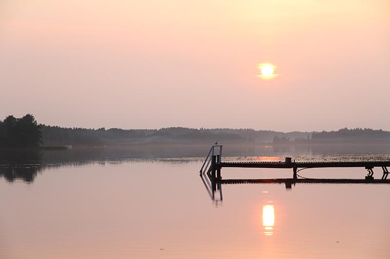 ilta-aurinko auringonlasku sunset hunajaista