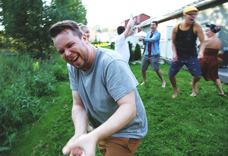 skumppapullot auki hunajaista naurujooga