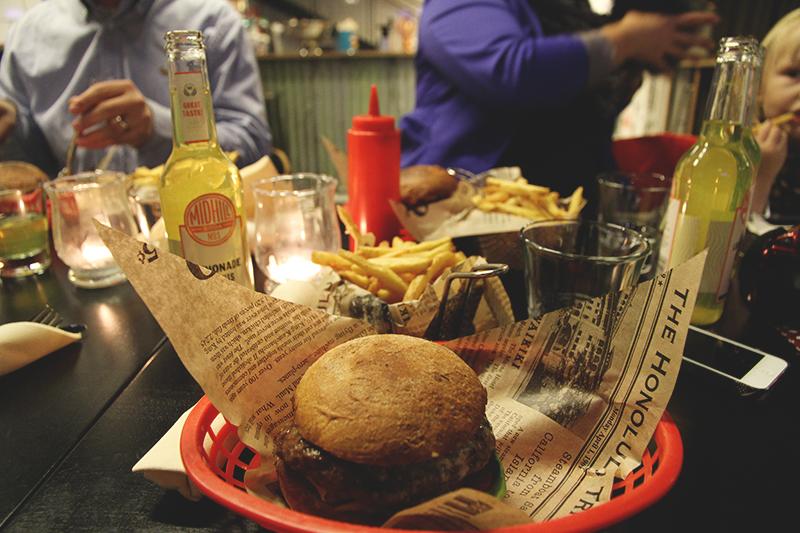 midhill hunajaista blogi hampurilainen hamburger