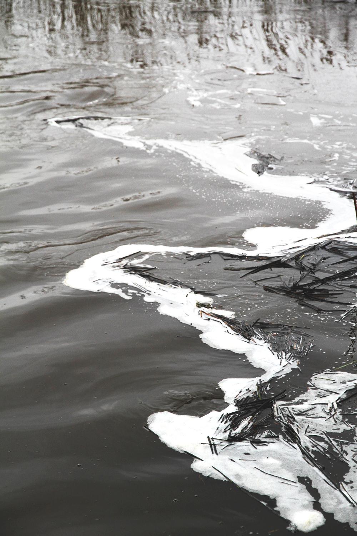 vesi jaassa