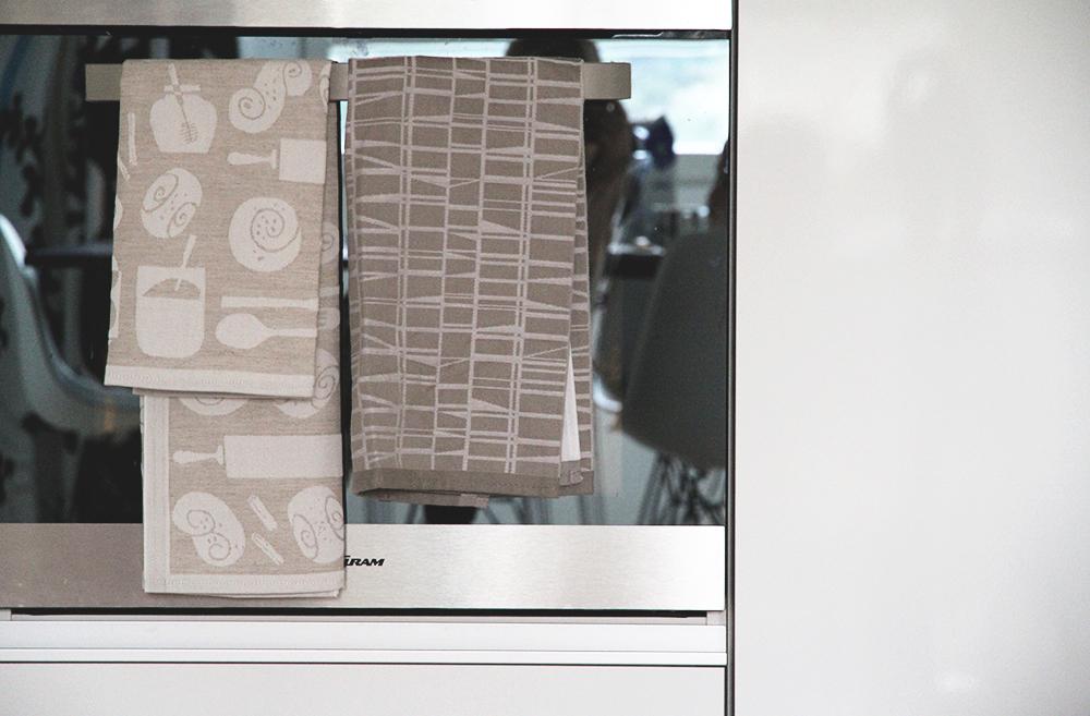 keittopyyhe polkka jam finlayson pellava hunajaista sisustusblogi tekstiilit kodintekstiilit keittio gram
