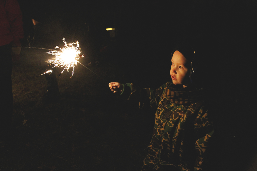 mini rodini hunajaista blogi lifestyle uusivuosi tahtisadetikku raketit peltor lapset