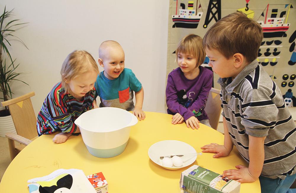 lapset leipoo hunajaista jaarlin paivakodit oy