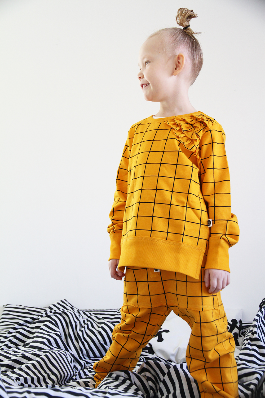 hunajaista mainio clothing oranssi ruutupaita college housut lastenvaatteet lastenmuoti lifestyleblogi