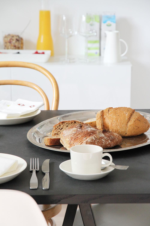 arla aamiaiskutsu leivat hunajaista kattausideat