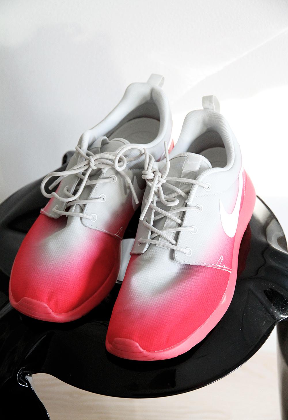 caliroots running shoes sneakers nike rosherun womens pink gray hunajaista blog