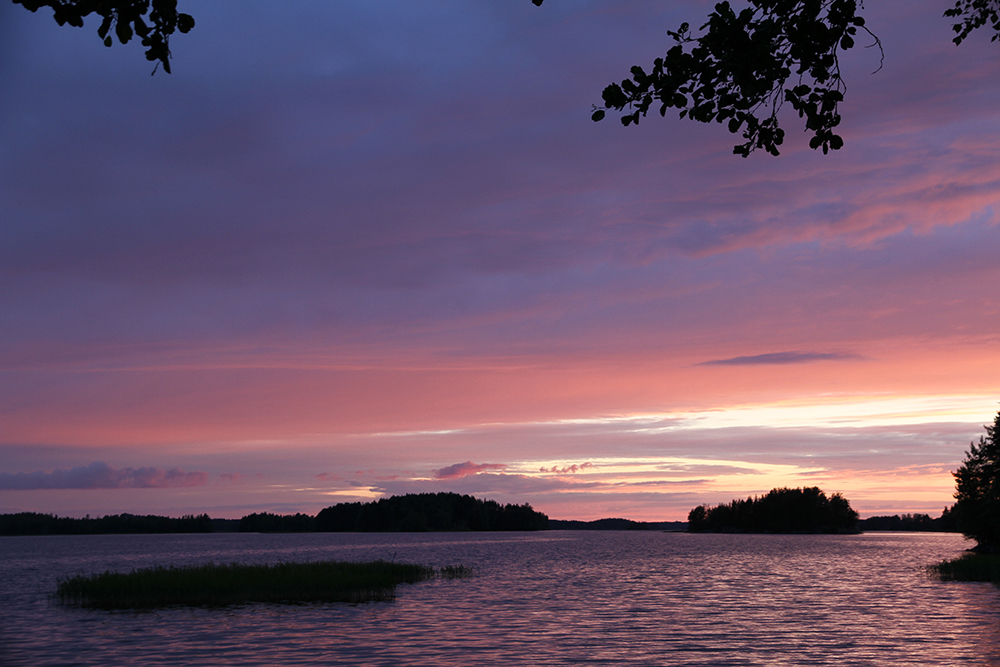hunajaista juhannus auringonlasku 2014