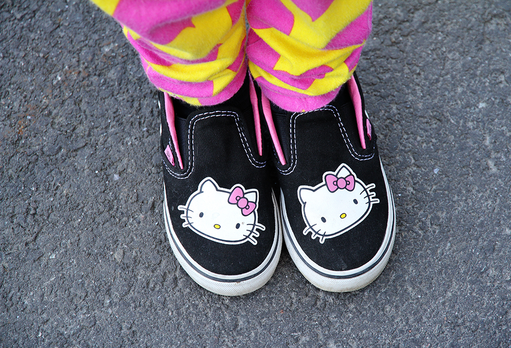 hunajaista vans hello kitty