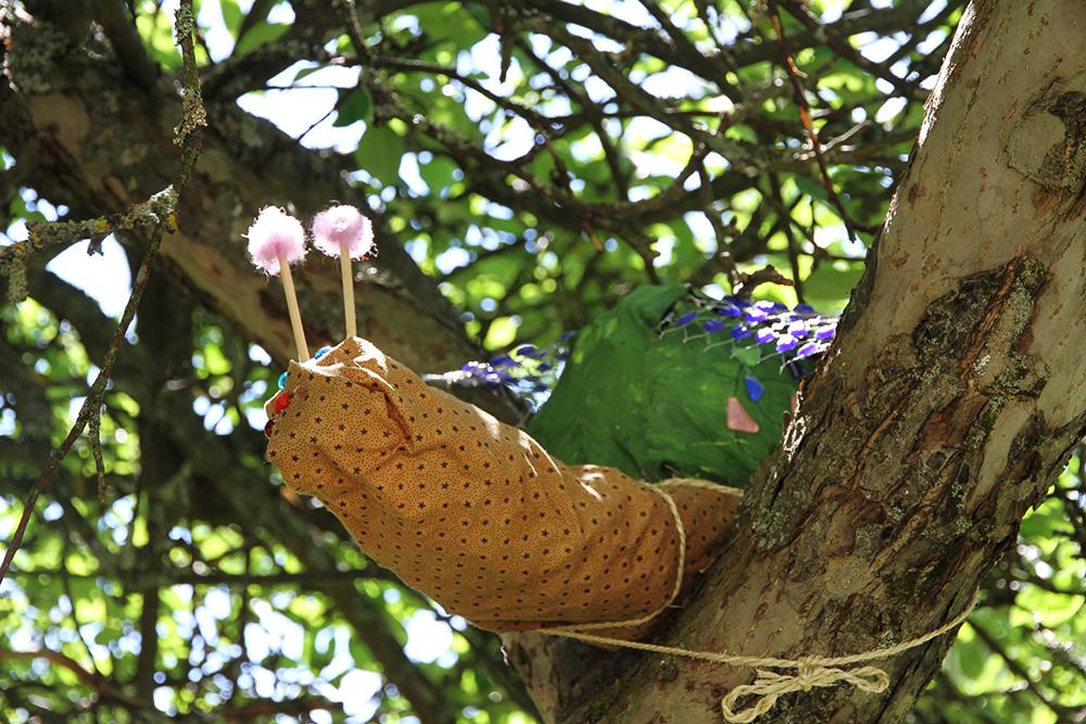 iittala etana puussa hunajaista