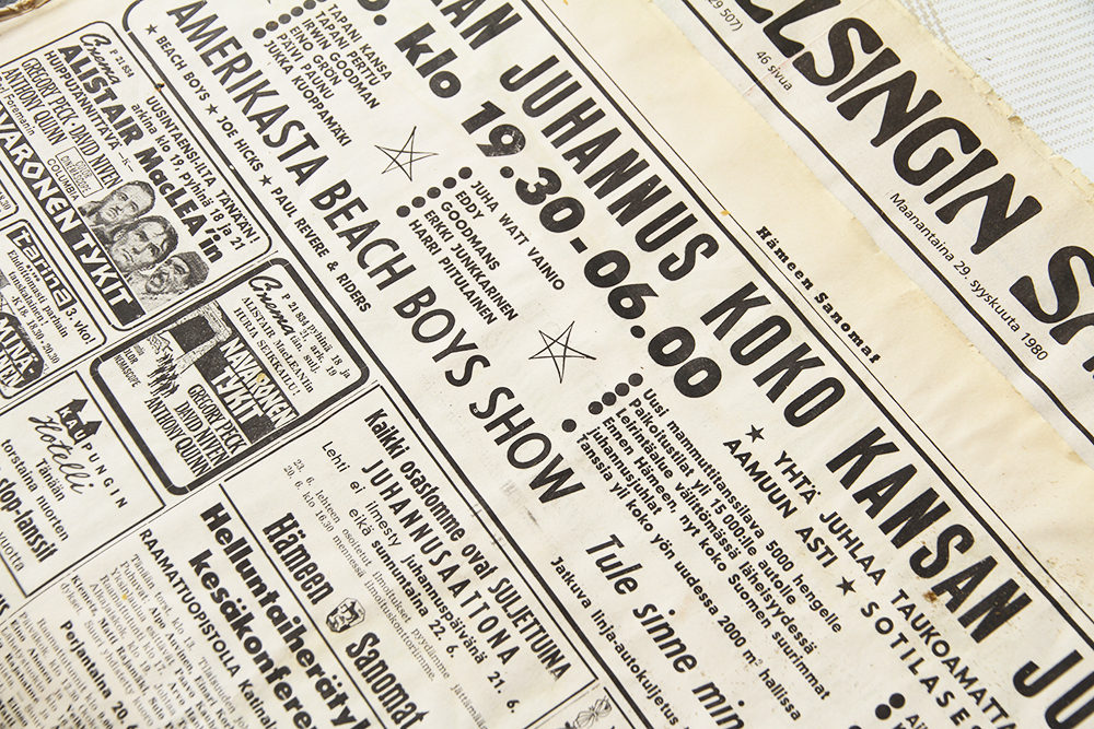 vanha sanomalehti hunajaista