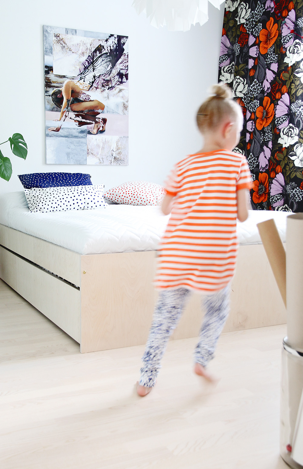 kuvahairikko hunajaista home bedroom design interior marimekko finnish decoration