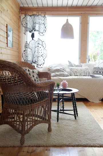 summer cottage hunajaista interior decoration finnish home