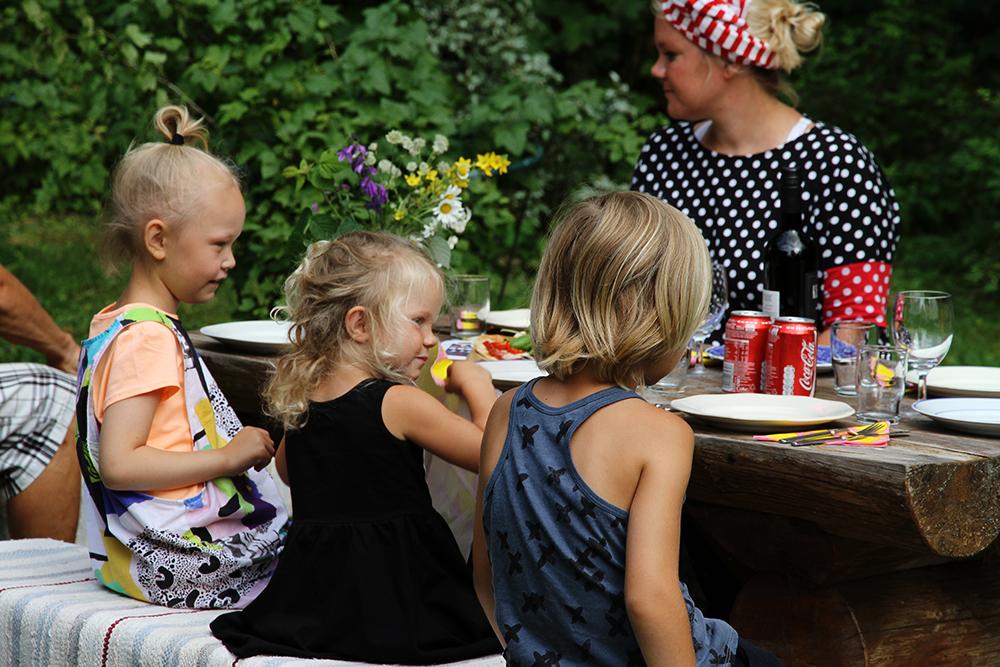hunajaista pizzakestit kesamokki lapset