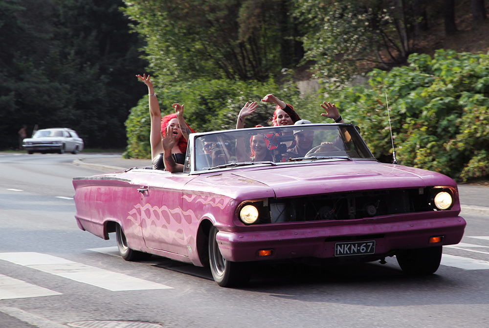 pink girls hunajaista linnacruising 2014