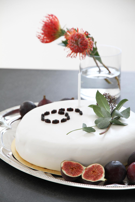 hunajaista syntymapaiva kakku koristelu