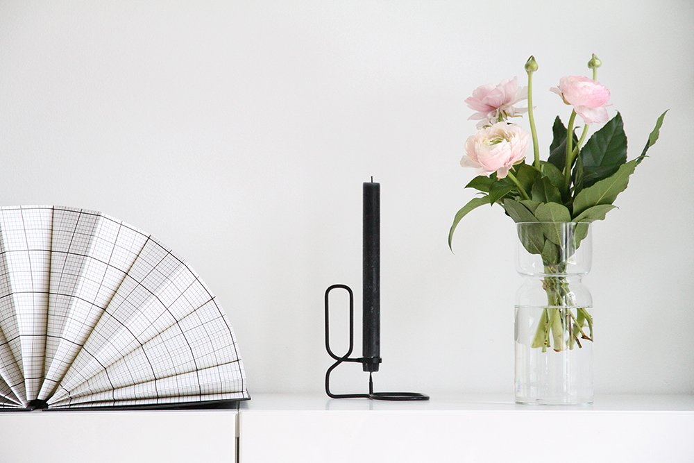 hay iittala pionit maljakossa hunajaista sisustusblogi interios finnish home white pink black