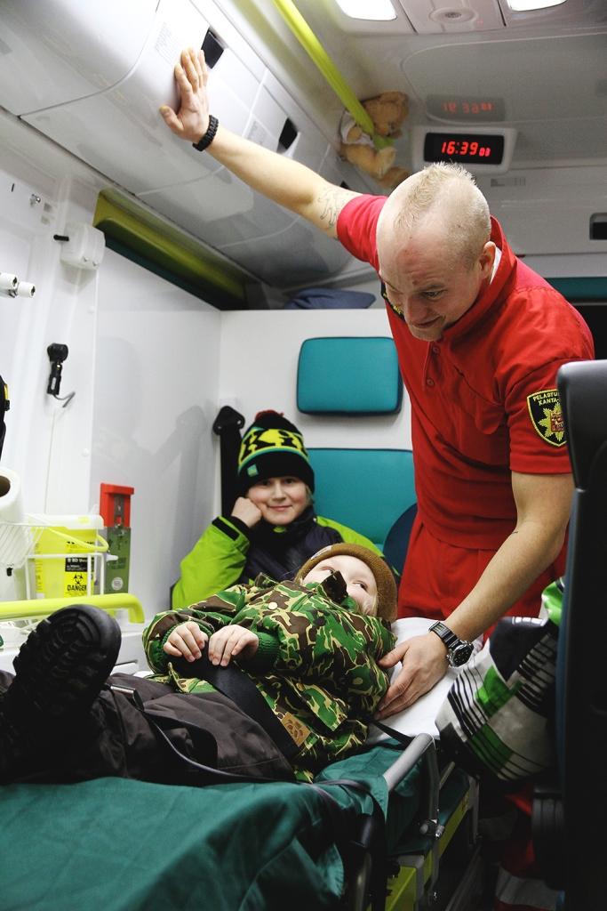 hunajaista 112 paiva ambulanssi ensihoitaja siiri