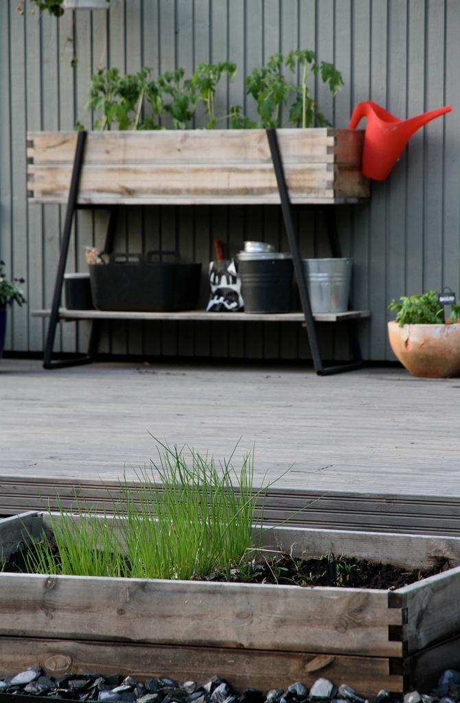 hunajaista terassi takapiha puutarha kekkila puutarhalaatikko