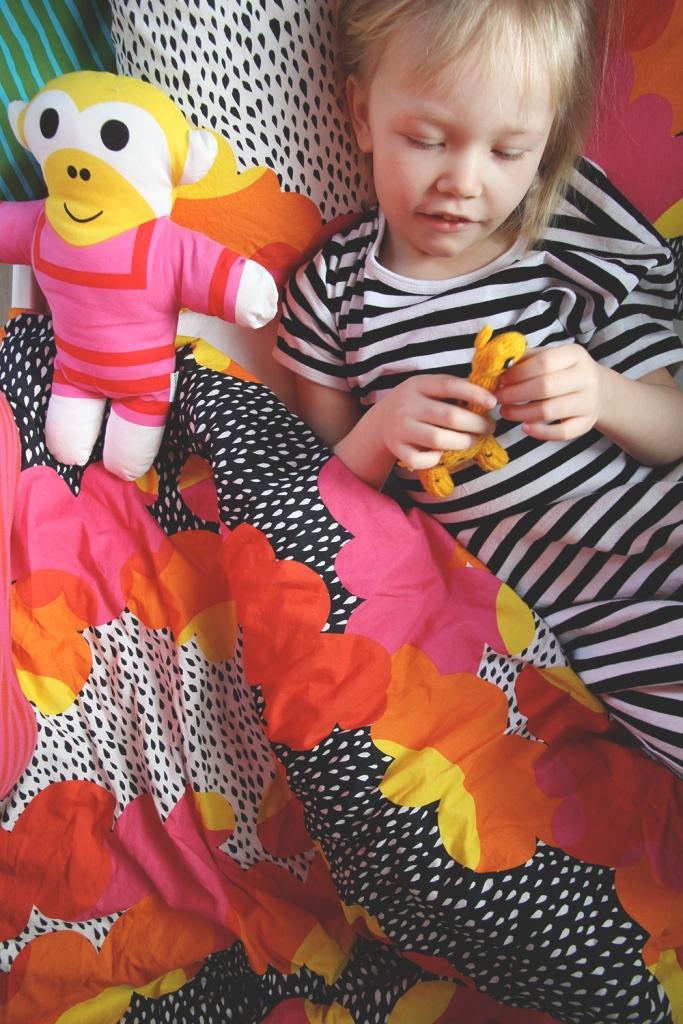 ikea lakanat siiri marimekko lastenhuone sisustus blogi hunajaista