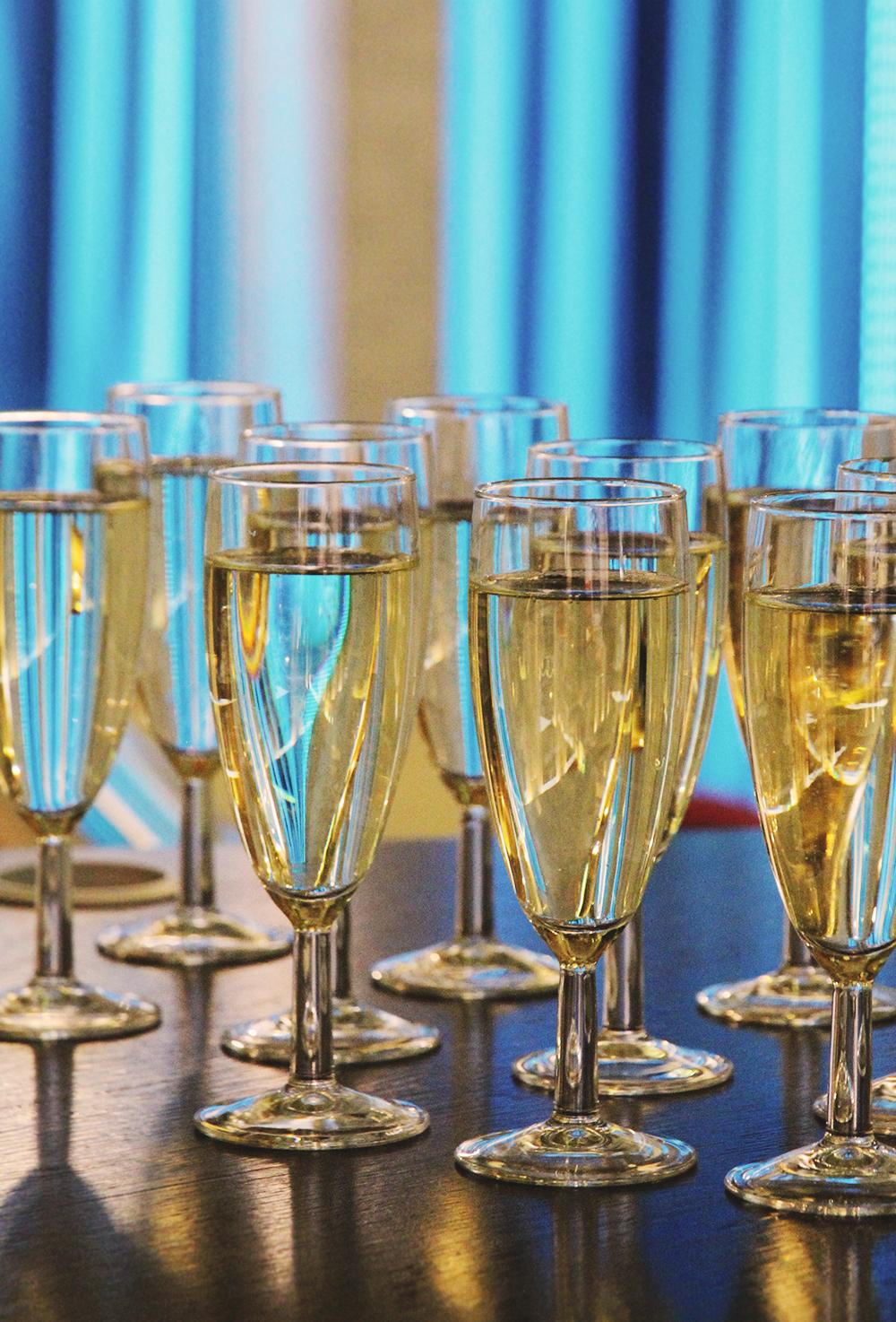 hunajaista shampanja ilves hotelli