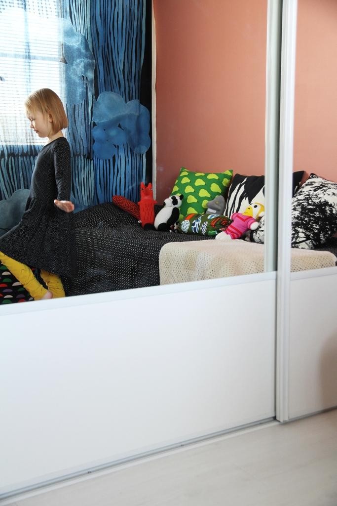 hunajaista siirin huone lastenhuone sisustusblogi marimekko